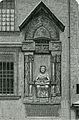Mantova monumento a Virgilio posto all'esterno del palazzo della Ragione.jpg