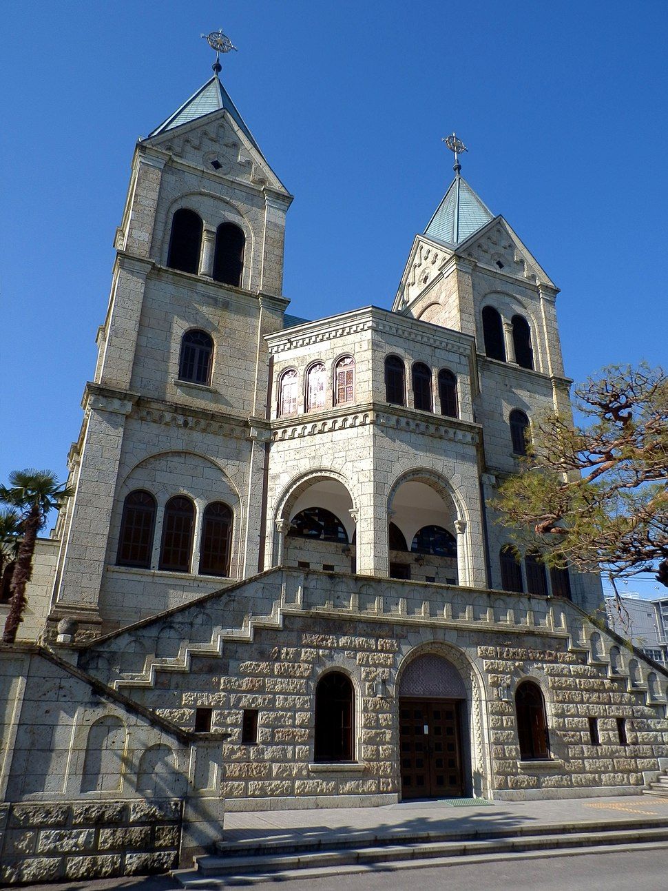 Matsugamine Catholic Church (front) 2013-01-30