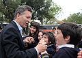 Mauricio Macri dio la bienvenida al seleccionado neocelandés de rugby, All Blacks (8051384156).jpg