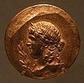 Medaglioni aurei romani da tesoro di aboukir, inv. 2427 testa laureata di apollo.jpg