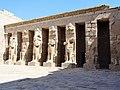 Medinet Habu Ramses III. Tempel Erster Hof 09.jpg