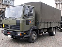 Mercedes 1117 of the Belgian Army, licence registration 37599.JPG