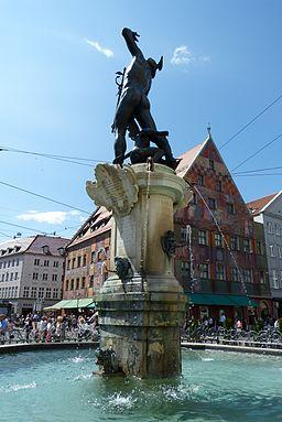 Merkurbrunnen Augsburg im Sommer