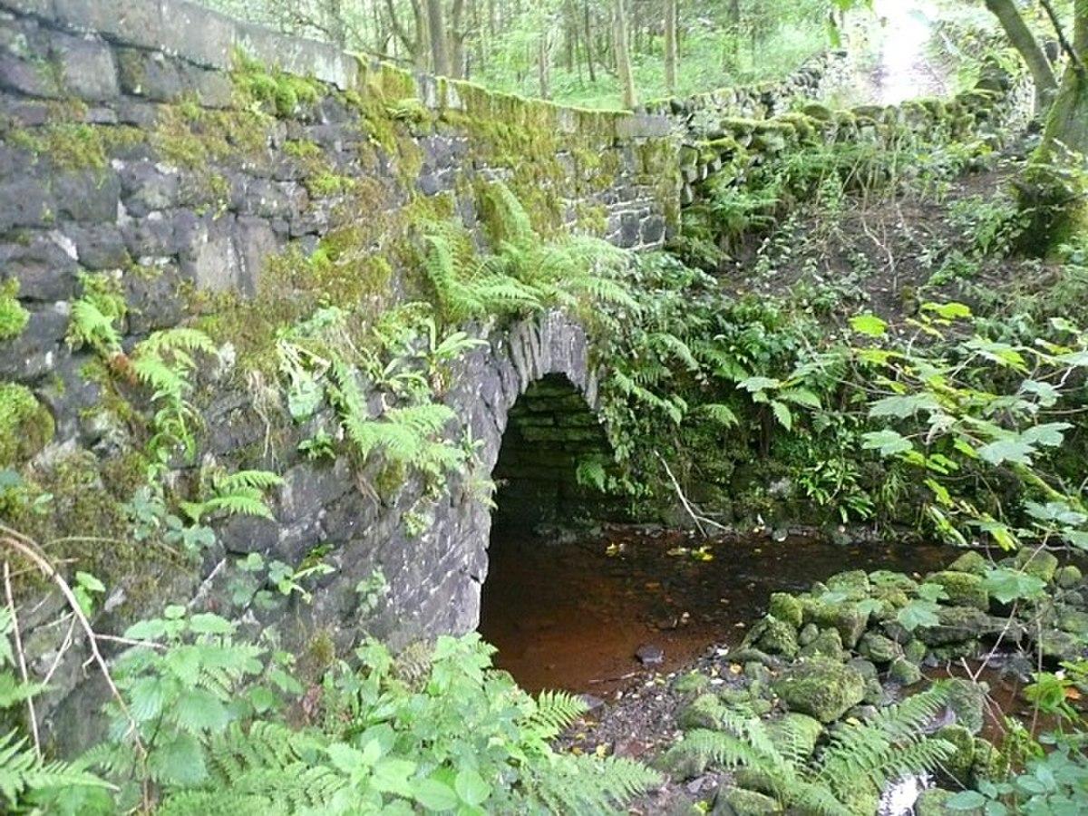 Merry Dale Bridge, Slaithwaite - geograph.org.uk - 1418873.jpg