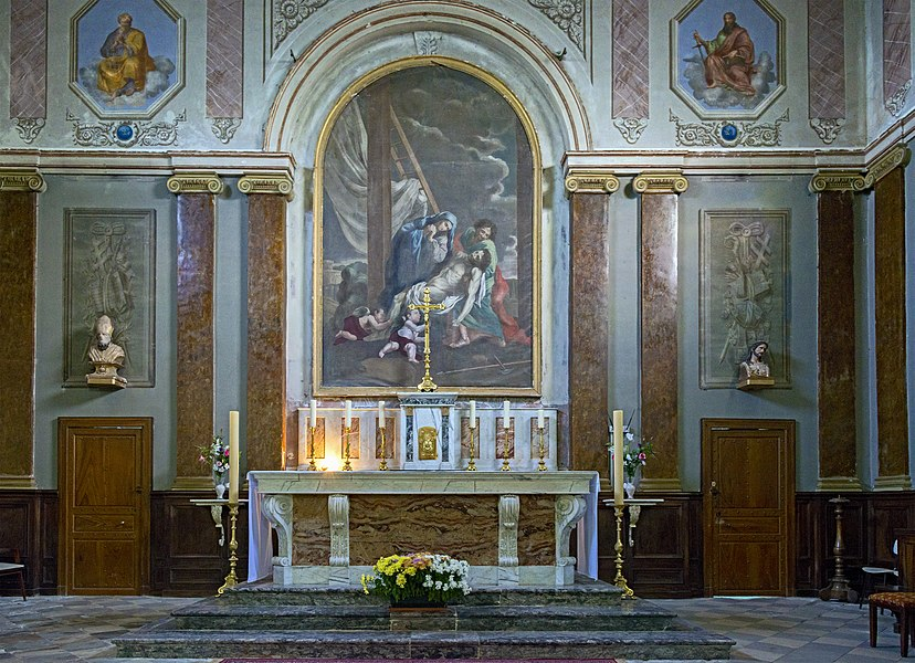 English:  Church Saint-Saturnin of Merville, Haute-Garonne France – the altar