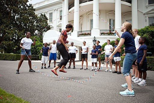 Michelle Obama and kids double-dutch jump rope - P071511CK-0303 (6047842208)