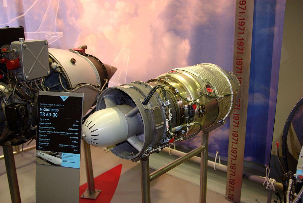 ألقصة الكاملة لصاروخ C-802 ووصولهُ لأيدي الأيرانيين 1024px-Microturbo_TR60-30_-_Mus%C3%A9e_Safran