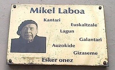 Mikel Laboaren omenezko plaka, Antigua (Donostia).jpg