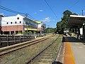 Milton station platforms facing east, August 2016.JPG