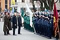 Ministru prezidents Valdis Dombrovskis vēro Rīgas garnizona vienību militāro parādi pie Brīvības pieminekļa (8175008890).jpg