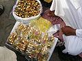 Minyak atar (attar) yang dijual di dataran puncak Jabal Rahmah, Mekah.jpg