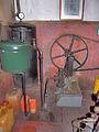 Molen Venemansmolen dieselmotor drukvat.jpg