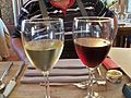 Muscat de Beaumes de Venise rouge et blanc.JPG