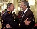 Néstor Kirchner y el General Bendini-Buenos Aires-25 de mayo de 2004.jpg