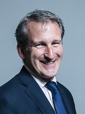 Damian Hinds - Image: Official portrait of Damian Hinds crop 2