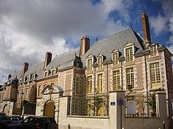 Orléans - 2-8 rue d'Escures (02).jpg