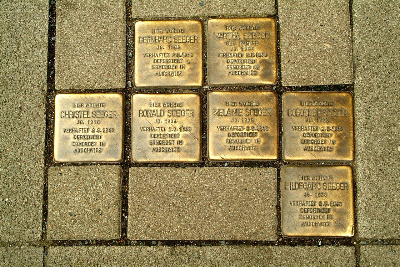 Osterstraße 36 Hannover Mitte Bernhard Martha Christel Ronald Melanie Dorothee und Hildegard Seeger Stolpersteine Sinti verhaftet 2.3.1943 deportiert ermordet in Auschwitz.jpg