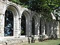 Paimpol (22) Abbaye de Beauport Réfectoire 06.JPG