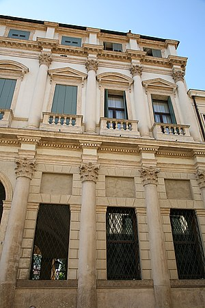 Palazzo Thiene Bonin Longare - Details of the facade facing Corso Palladio