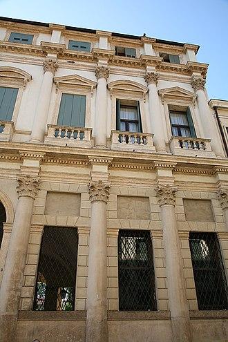 Palazzo Thiene Bonin Longare - Details of the facade facing Corso Palladio