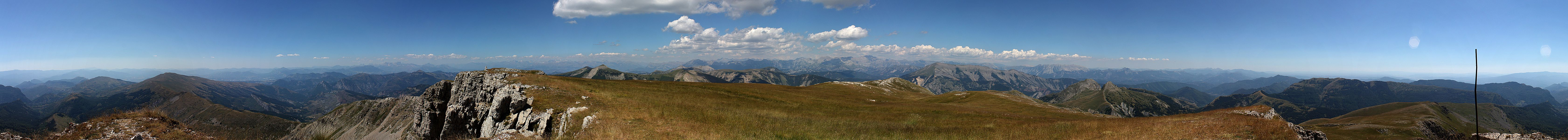 """Panorama of the """"Les Monges"""", seen at the summit."""