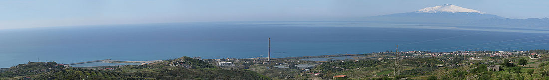 Panoramic view of Saline Joniche - Province of Reggio Calabria, Italy - 20 March 2016.jpg