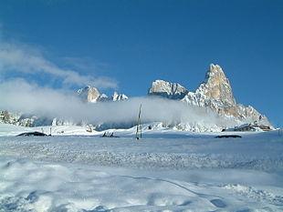 Panorama invernale da Passo Rolle