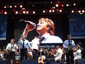 Peter Howarth - Peter Howarth performing with The Hollies and Kiel Philharmonic Orchestra
