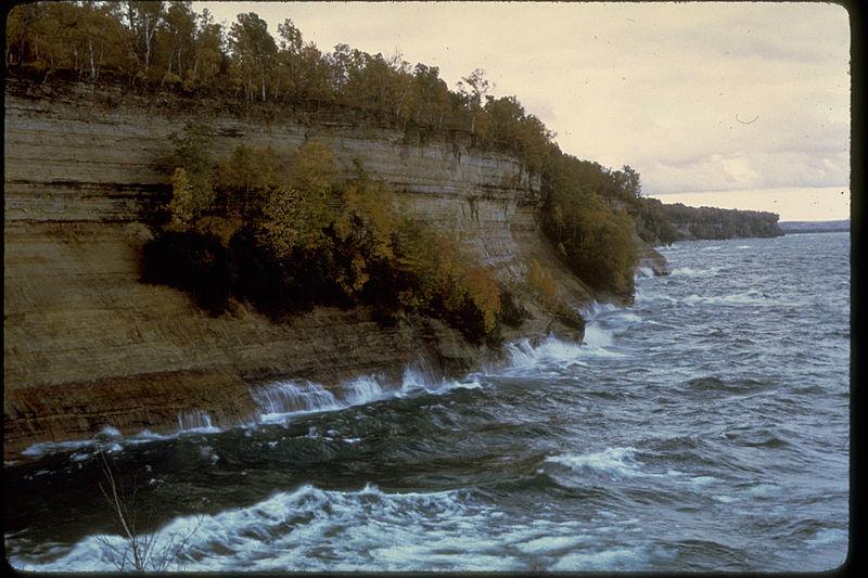 File:Pictured Rocks National Lakeshore PIRO0727.jpg