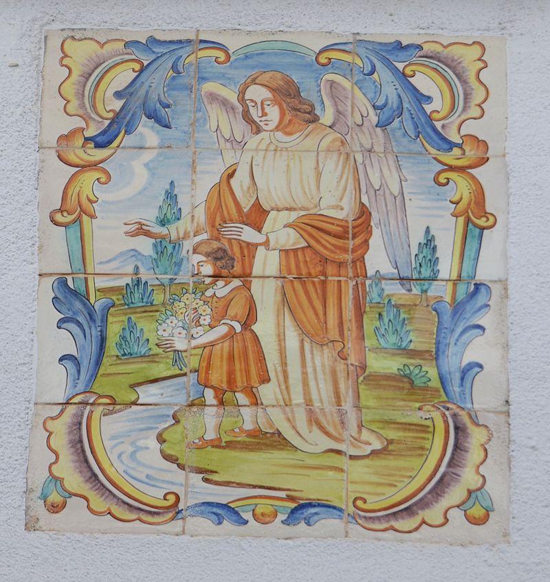 Plafó ceràmic amb l'àngel de la guarda, carrer Bisserot de Gata.JPG