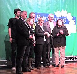 Politischer Aschermittwoch in Biberach: Fritz Kuhn, Eugen Schlachter, Renate Künast, Winfried Kretschmann, Petra Selg. Bild: Wettach.