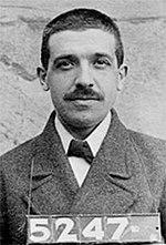 Carlo Ponzi arrestáu en 1920