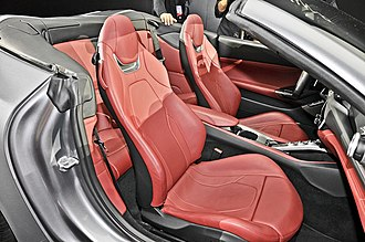 Ferrari Portofino - Portofino interior still offers very limited rear seating.