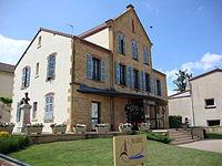 Pouilly-sous-Charlieu (Loire, Fr) mairie.JPG