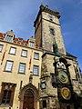 Prag - Rathausturm mit der berühmten Rathausuhr - Radnice se slavným orlojem - panoramio (3).jpg