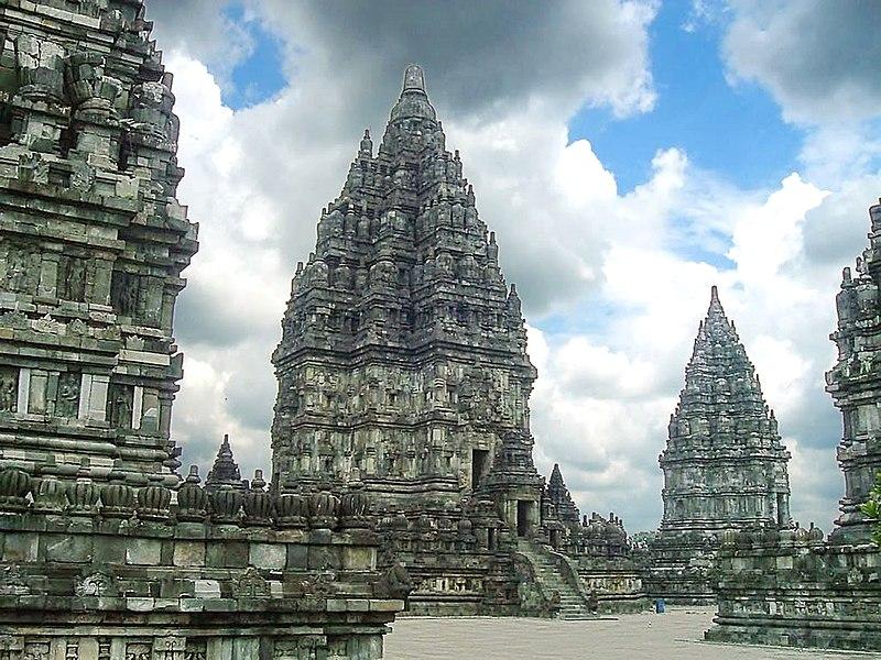Berkas:Prambanan Shiva Temple.jpg