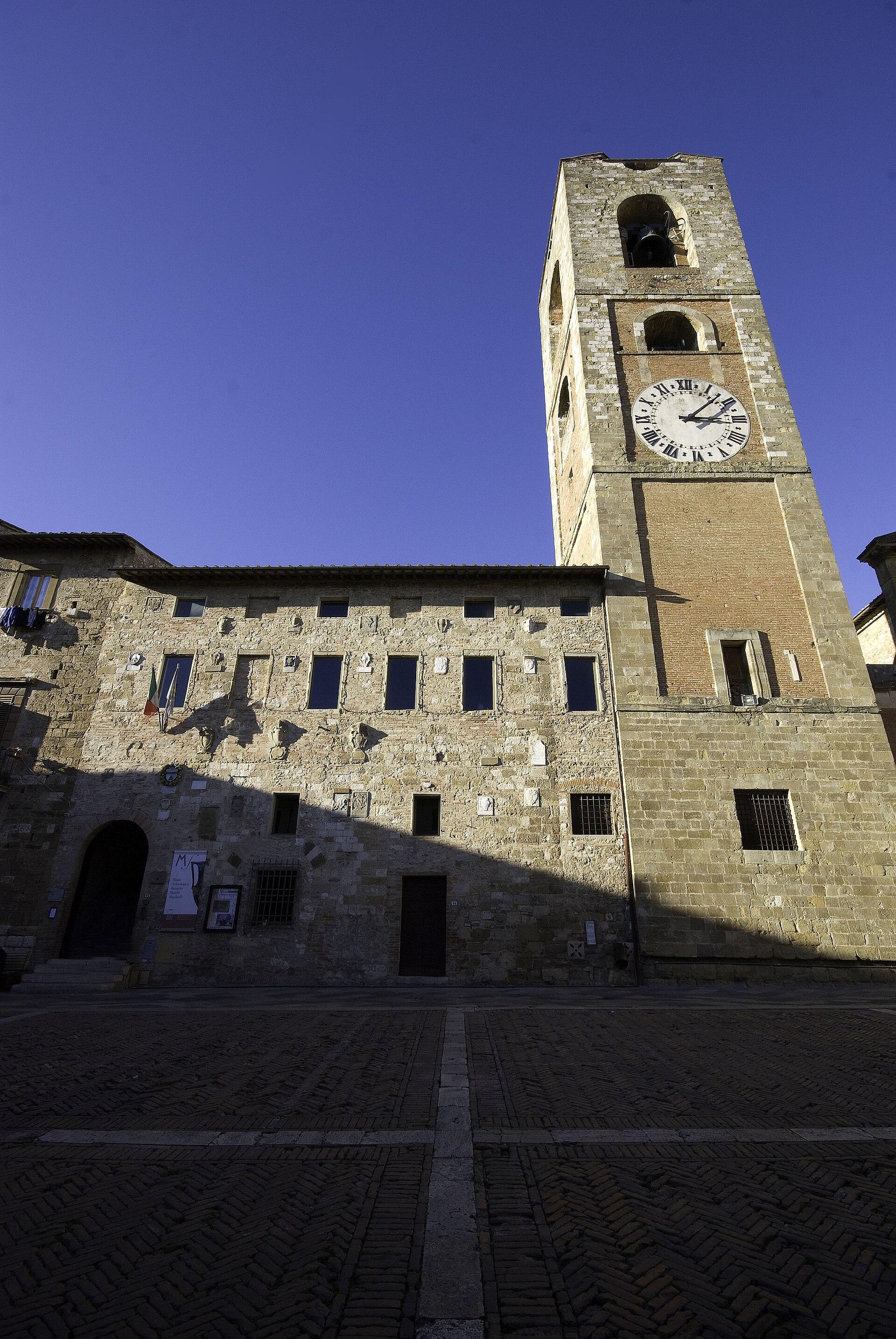 Palazzo pretorio colle val d 39 elsa wikipedia for Gr2 arredamenti colle val d elsa