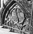 Raamtracering in koor (voor restauratie ) - 's-Gravenhage - 20085303 - RCE.jpg