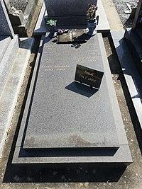 Raymond Queneau tombe.jpg