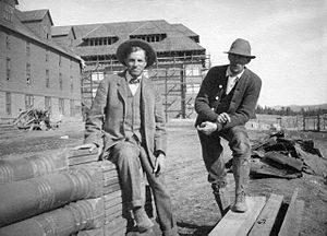 Robert Reamer - Reamer (left) and foreman at the Canyon Hotel construction site