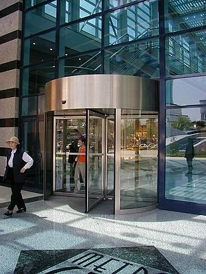 Revolving door - A revolving door in Turkey (counter-clockwise rotation)