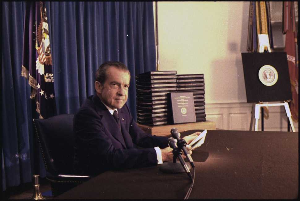 Richard M. Nixon press conference releasing the transcripts of the White House tapes. - NARA - 194576