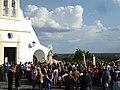 Romería de Nuestra Señora de Piedras Albas, año 2019, paseando la imagen de la Virgen.jpg