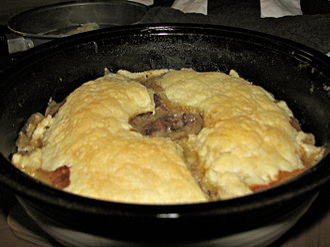Steak and kidney pie - Image: Round steak and kidney pie 3