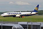 Ryanair, EI-EKB, Boeing 737-8AS (19085147121).jpg