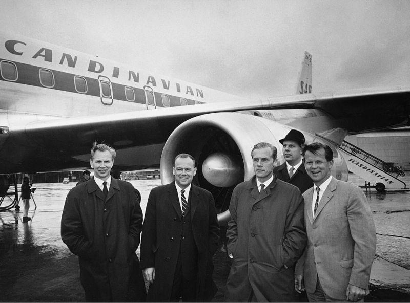 File:SAS DC 8-62 Anund Viking SE-DBE.1967.jpg