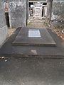 S Louis Cemetery 2 NOLA Low Monument.jpg
