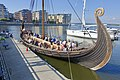 Saga Oseberg viking ship replica 2012 Tønsberg Norway Young students oars mooring Byfjorden Harbour havn Brygga pier board walk dock Fore Bow stempost Forstavn Kaldnes etc 2019-08-26 blurred faces 5159.jpg