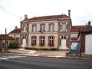 Saint-Aubin-sur-Yonne Commune in Bourgogne-Franche-Comté, France