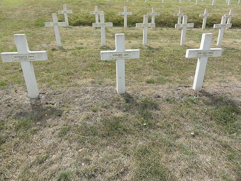 Saint-Rémy-la-Calonne (Meuse) nécropole nationale (05) trois tombes de la compagnie d'Alain-Fournier